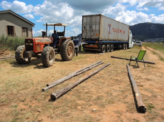 rope tractor to the container