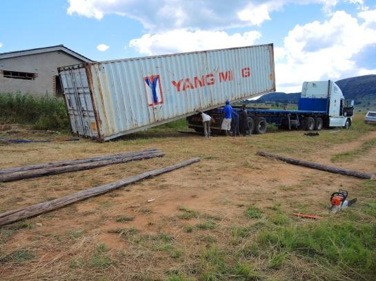40ft Yang Ming touches down in Nyanga, Zimbabwe