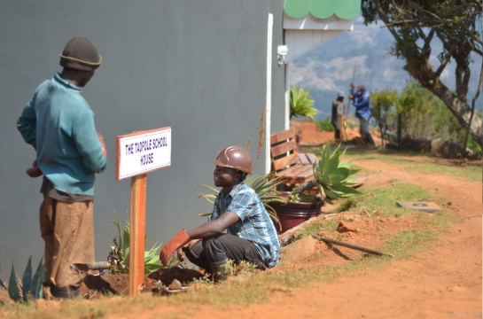 George & Tendai with Didymus & Artwell working on the 'car park' sign
