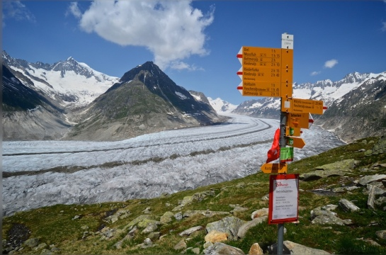 Traversing above the Aletsch Gletscher