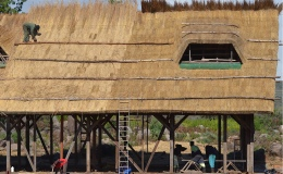 Post and beam – Busytown thatching, bracing,trenching